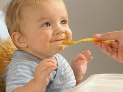 Early Solid Food Feeding Techniques